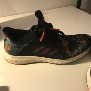 Adidas Boost Camo Tennis Shoes | Size 9
